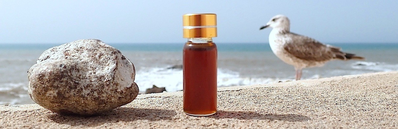 Tintura, óleo e resinóide de Ambergris